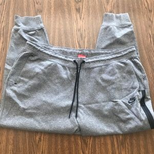 Nike Workout Jogger Pants in Grey